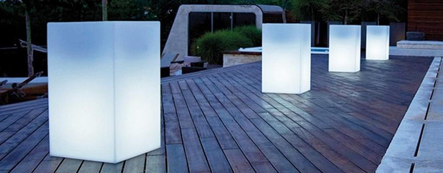 Valoruukut valaisevat upeasti kotona, terassilla, ulkona, puutarhassa ja ravintolassa. Toimitus 0 €